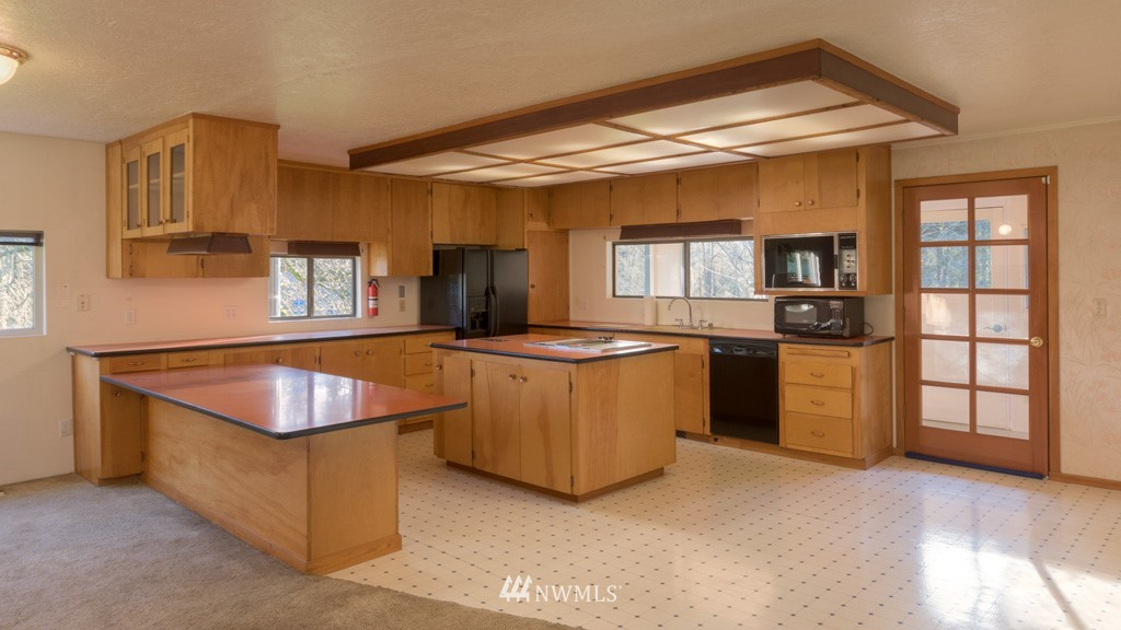 Sold Property | 27675 Lindvog Road NE Kingston, WA 98346 5