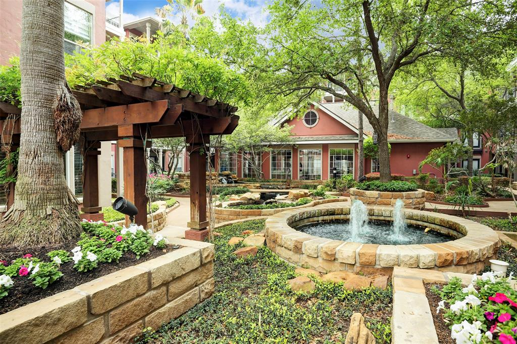 Pending | 2400 Mccue Road #417 Houston, Texas 77056 26
