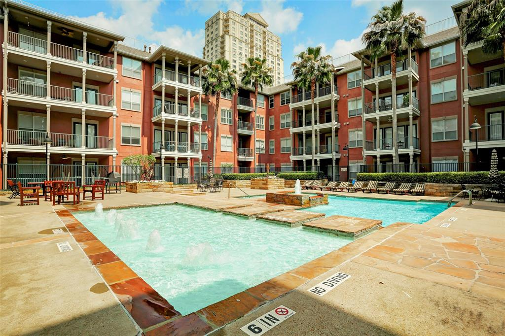 Pending | 2400 Mccue Road #417 Houston, Texas 77056 29