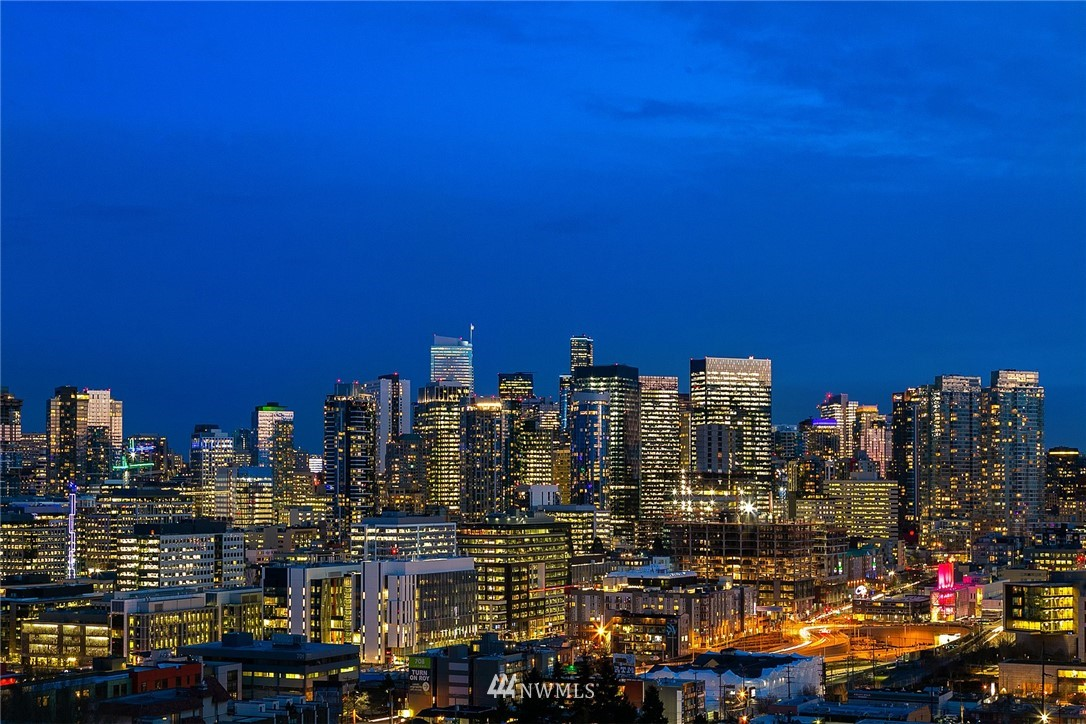 Pending | 2366 Franklin Avenue E #B Seattle, WA 98102 23