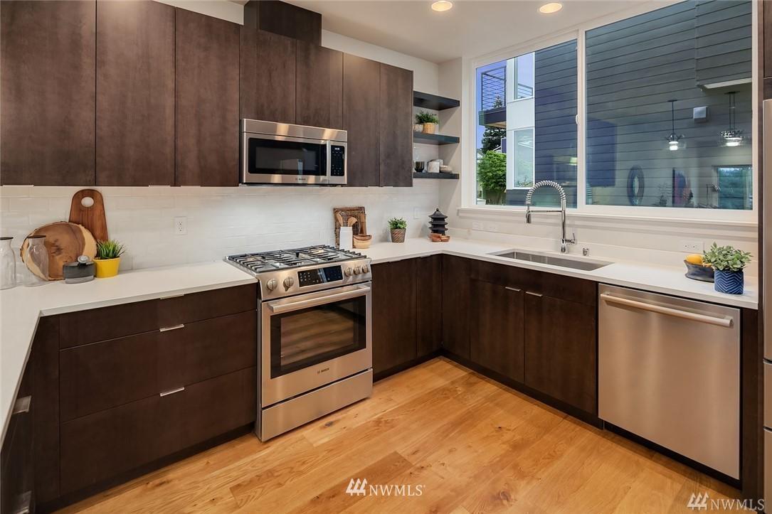 Pending | 2366 Franklin Avenue E #B Seattle, WA 98102 1