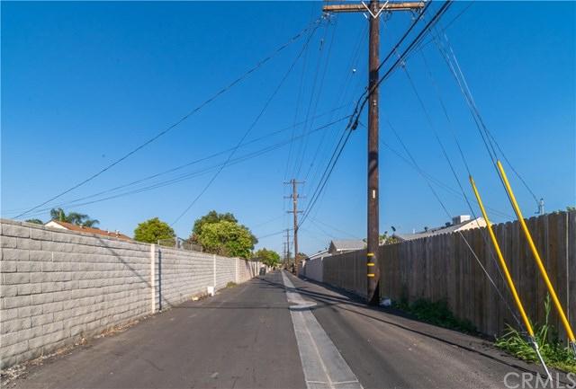 Active Under Contract | 1042 N Allyn Avenue Ontario, CA 91764 34