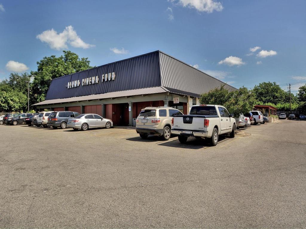 Closed | 8400 Bowling Green #B Austin, TX 78757 30