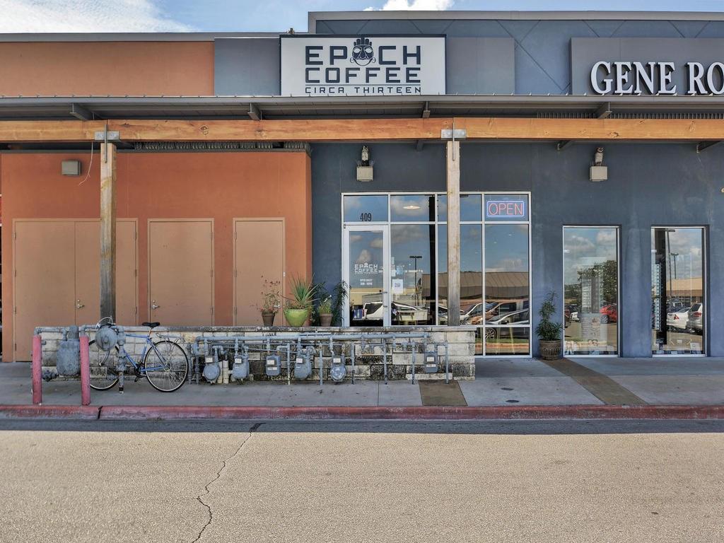 Closed | 8400 Bowling Green #B Austin, TX 78757 31