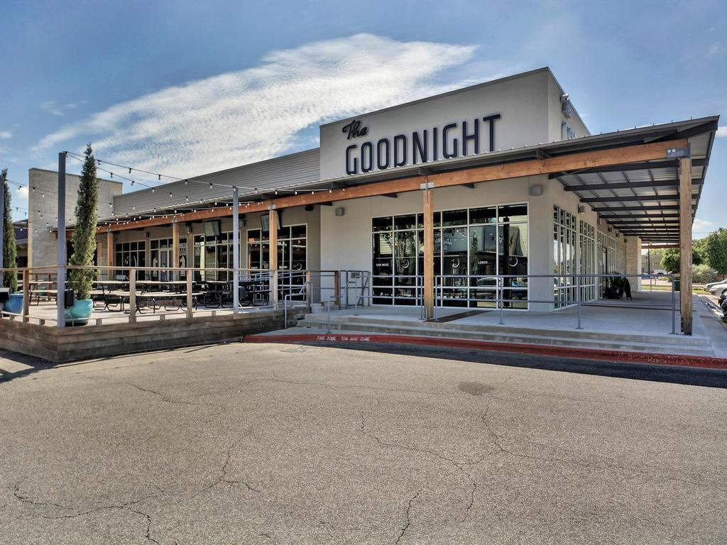 Closed | 8400 Bowling Green #B Austin, TX 78757 32