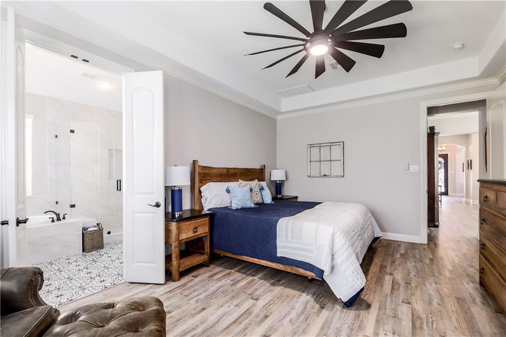 ActiveUnderContract | 11716 Shadestone Terrace Austin, TX 78732 17