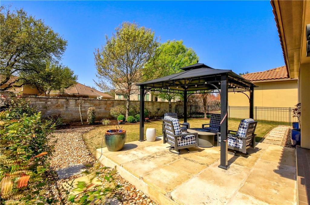ActiveUnderContract | 11716 Shadestone Terrace Austin, TX 78732 25