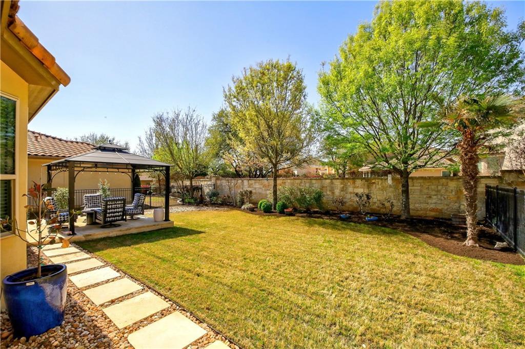 ActiveUnderContract | 11716 Shadestone Terrace Austin, TX 78732 29
