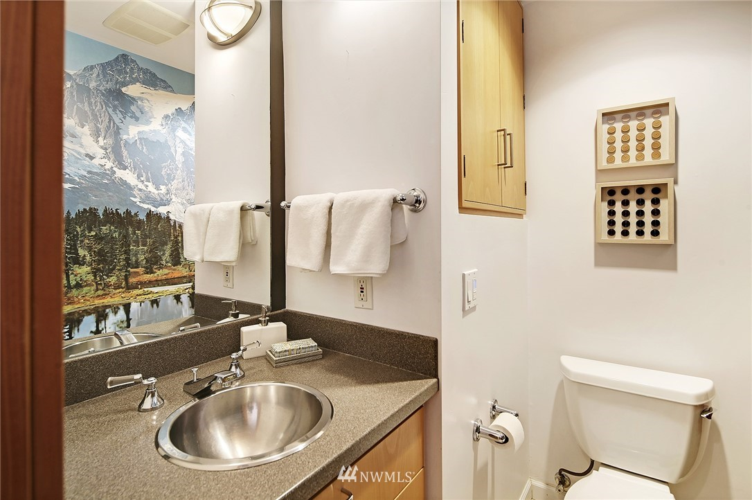 Sold Property | 1548 15th Avenue E Seattle, WA 98112 14