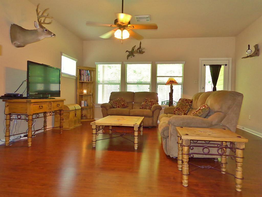 Option Pending   201 Summer Pine Court Conroe, Texas 77304 2