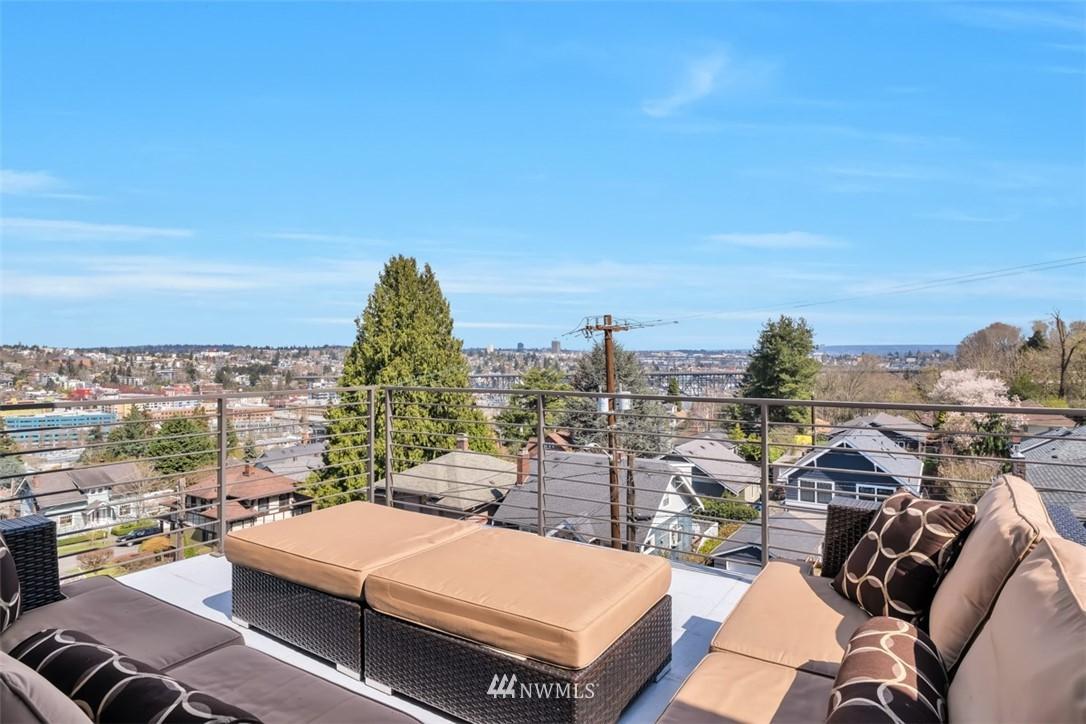 Pending | 2623 Warren Avenue N Seattle, WA 98109 20