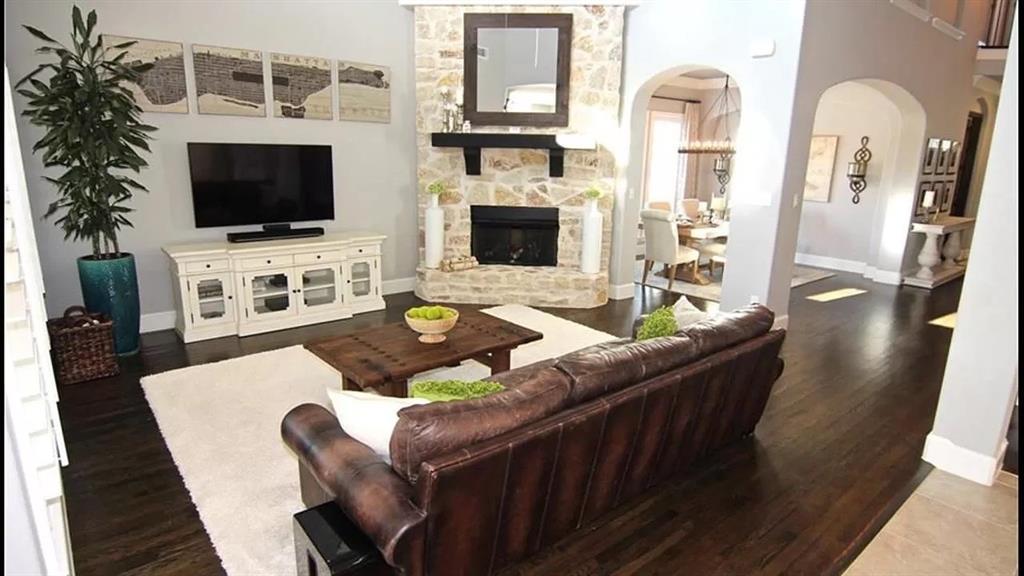 Pending   7387 Shingle Mill Road Frisco, Texas 75036 3