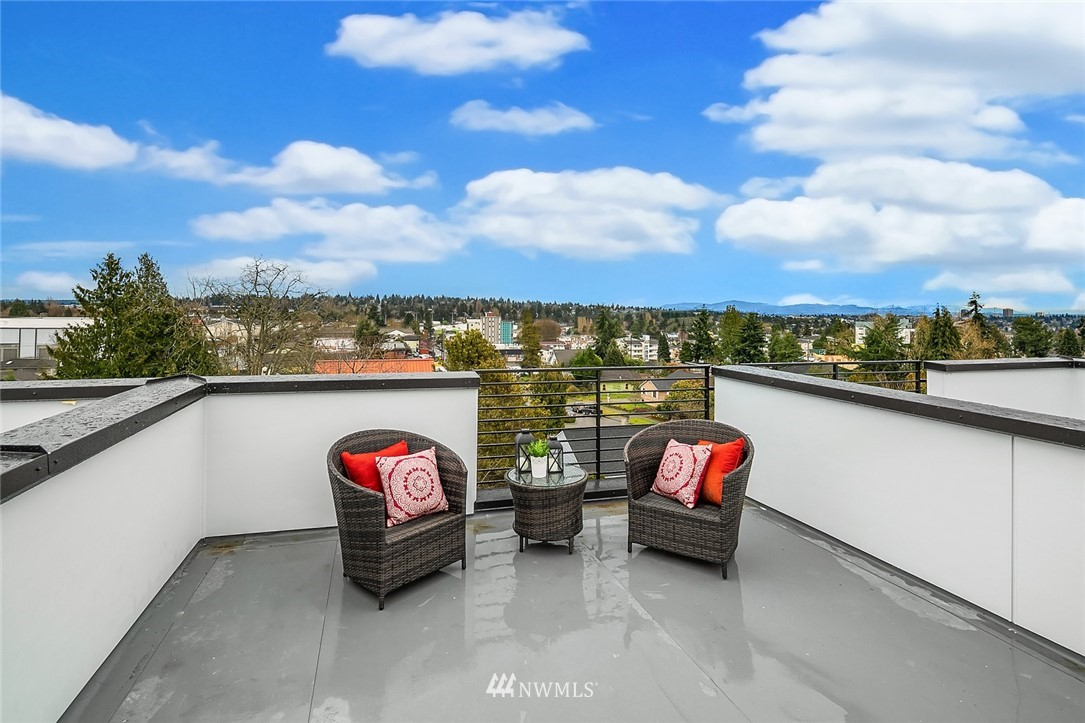 Sold Property | 9201 Linden Avenue N #A Seattle, WA 98103 18