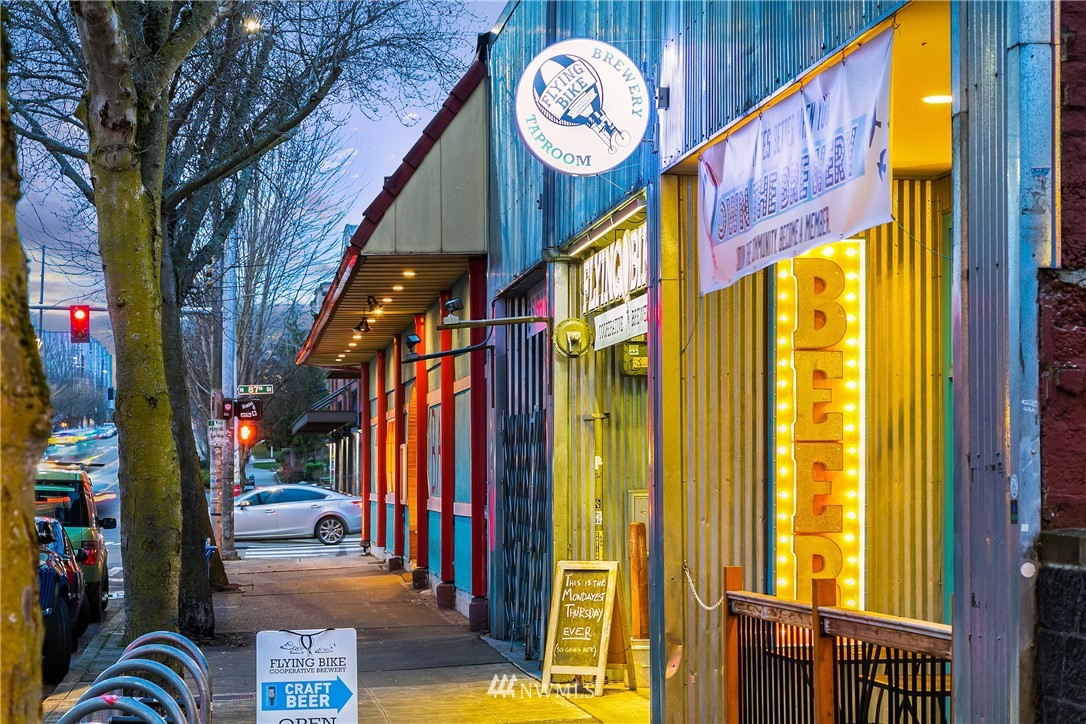 Sold Property | 9201 Linden Avenue N #A Seattle, WA 98103 26
