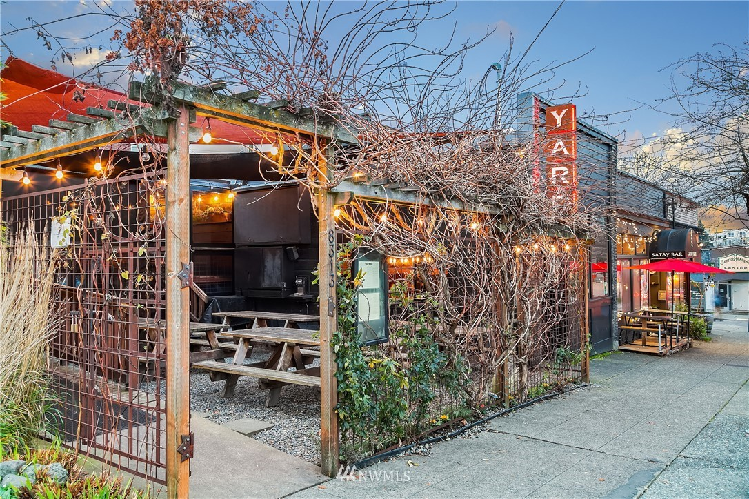 Sold Property | 9201 Linden Avenue N #A Seattle, WA 98103 27