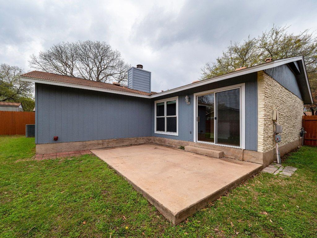 Pending   12117 GREY FAWN Path Austin, TX 78750 27