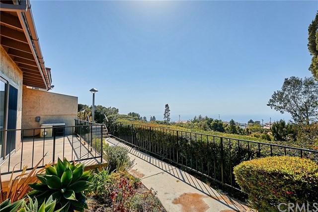 Active Under Contract | 28127 Ridgethorne Court #35 Rancho Palos Verdes, CA 90275 3