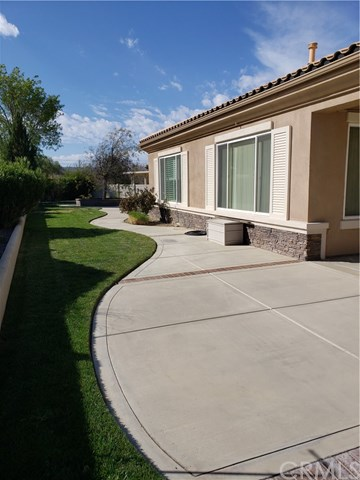 Pending | 1829 Litchfield Drive Banning, CA 92220 3