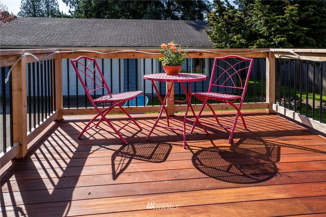 Sold Property | 413 N 127th Street Seattle, WA 98133 13