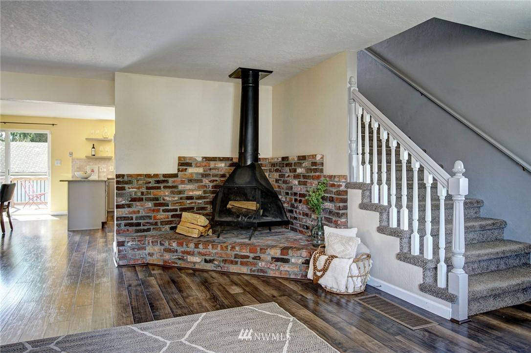 Sold Property | 413 N 127th Street Seattle, WA 98133 4