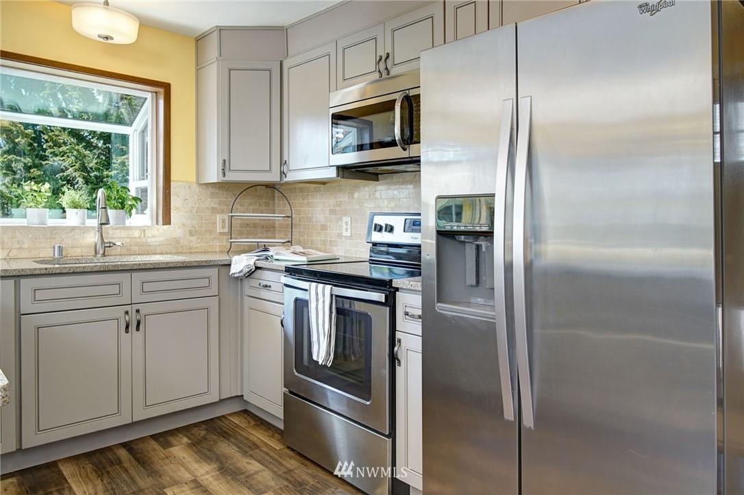 Sold Property | 413 N 127th Street Seattle, WA 98133 10