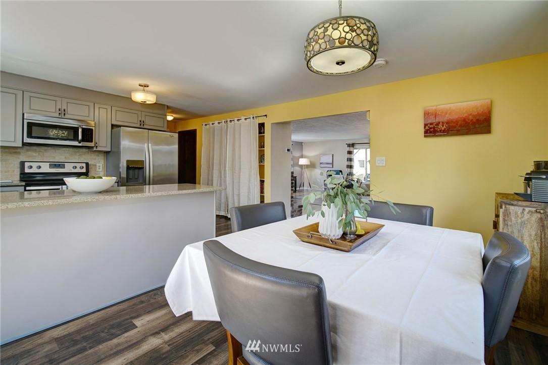 Sold Property | 413 N 127th Street Seattle, WA 98133 12