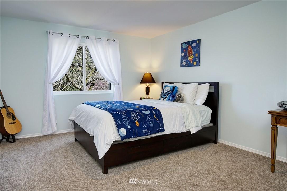 Sold Property | 413 N 127th Street Seattle, WA 98133 19