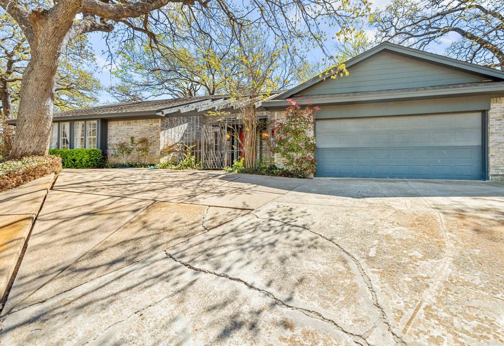 Active | 2816 Lakeshore Drive Arlington, Texas 76013 2