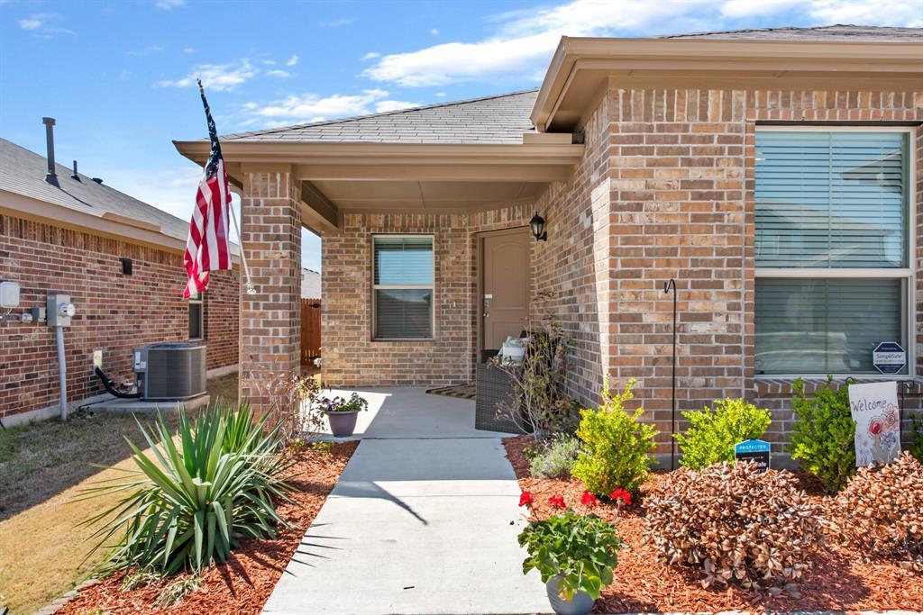 Sold Property | 6909 Cruiser Lane Fort Worth, Texas 76179 2