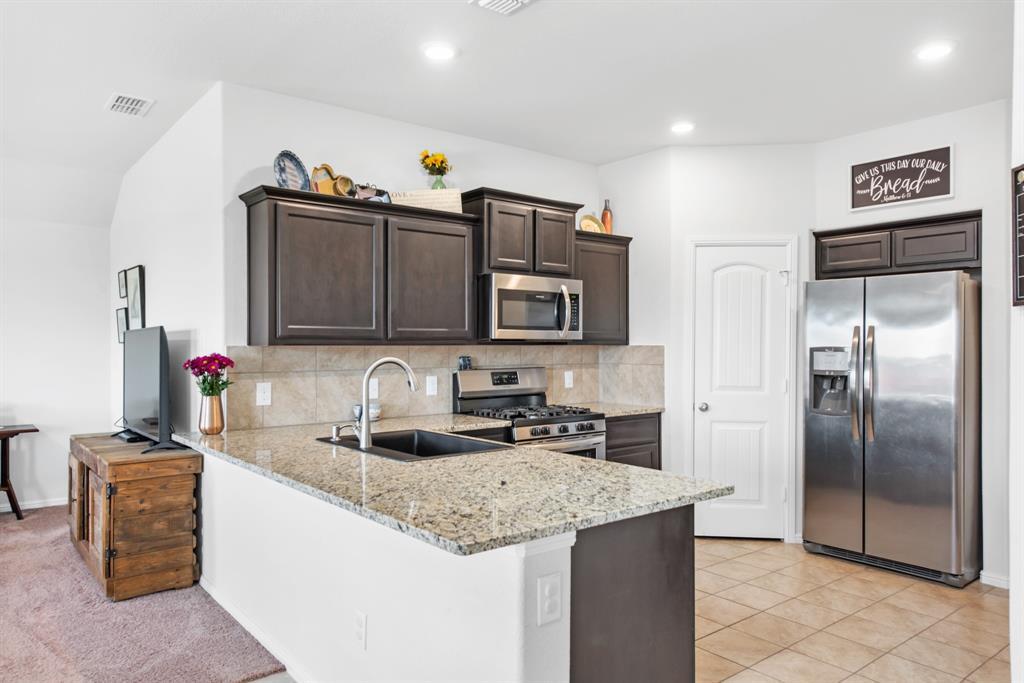 Sold Property | 6909 Cruiser Lane Fort Worth, Texas 76179 4