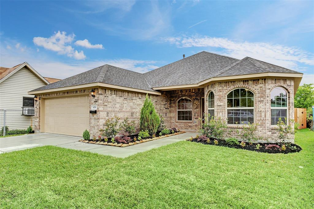 Active | 7014 Hoffman Street Houston, Texas 77028 1