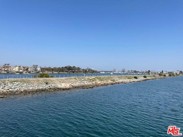 Active Under Contract | 6209 Pacific Avenue #101 Playa del Rey, CA 90293 2