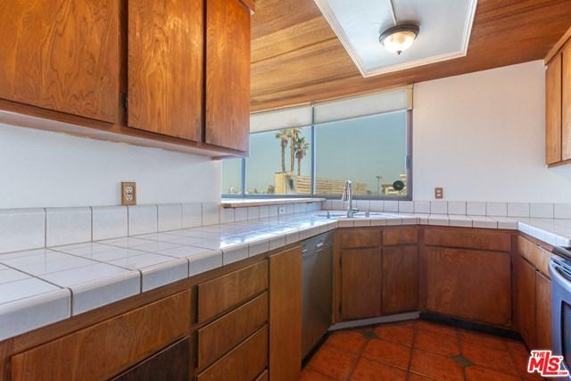 Active Under Contract | 6209 Pacific Avenue #101 Playa del Rey, CA 90293 11