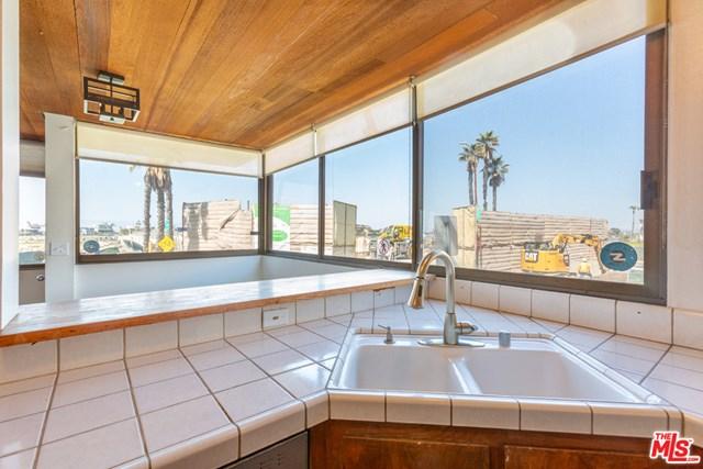 Active Under Contract | 6209 Pacific Avenue #101 Playa del Rey, CA 90293 12