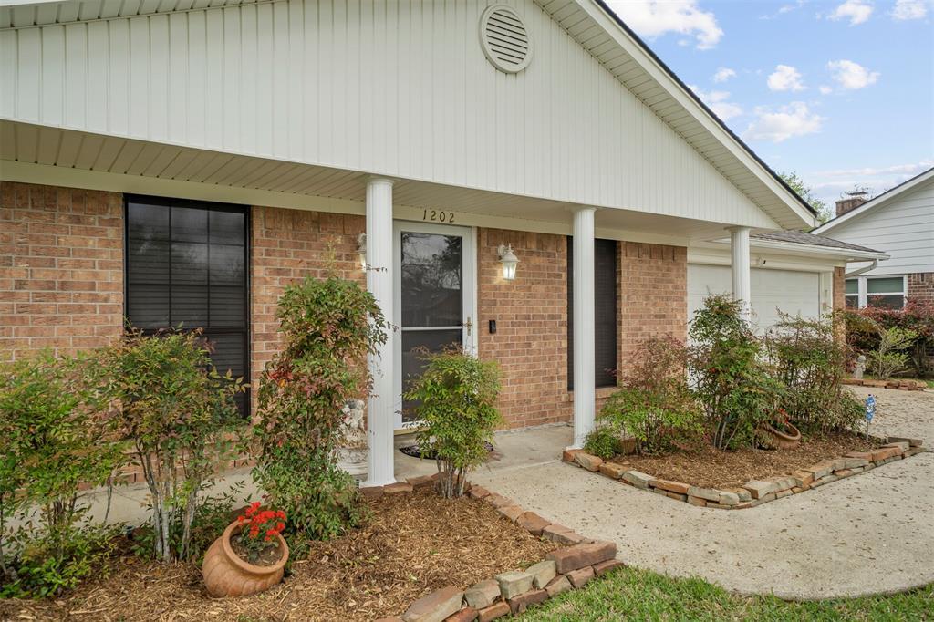 Pending | 1202 Judy Lane Baytown, Texas 77521 5