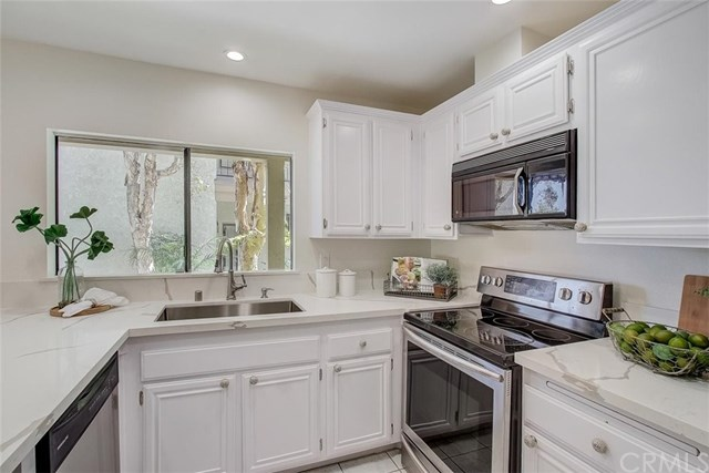 Pending | 1833 Caddington Drive #41 Rancho Palos Verdes, CA 90275 6