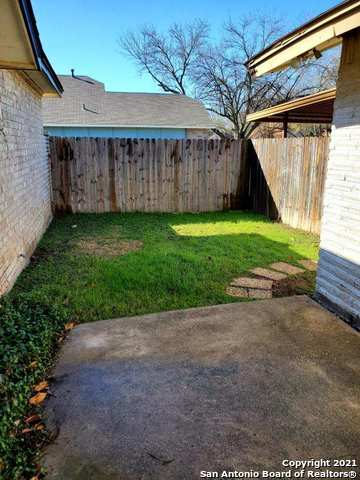 Active/Application Received | 671 FERN MEADOW DR Universal City, TX 78148 6