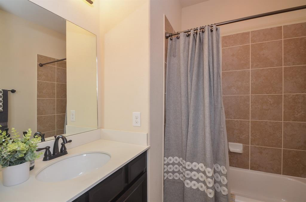 Pending | 2955 Jade Springs Lane Pearland, Texas 77584 28