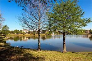 Pending | 2955 Jade Springs Lane Pearland, Texas 77584 34