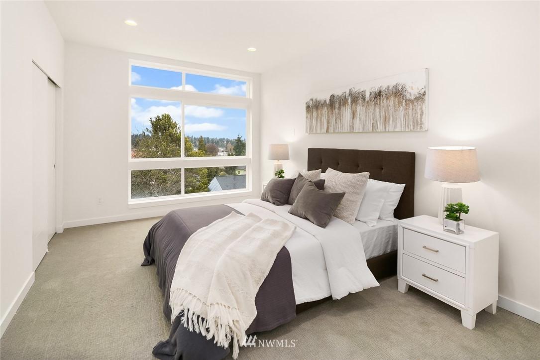 Sold Property | 9201 Linden Avenue N #B Seattle, WA 98103 10