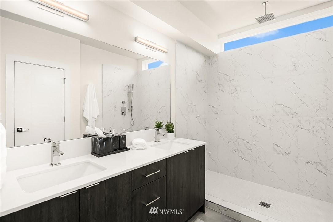 Sold Property | 9201 Linden Avenue N #B Seattle, WA 98103 11
