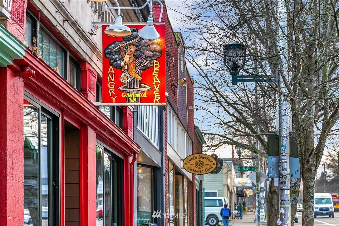 Sold Property | 9201 Linden Avenue N #B Seattle, WA 98103 22