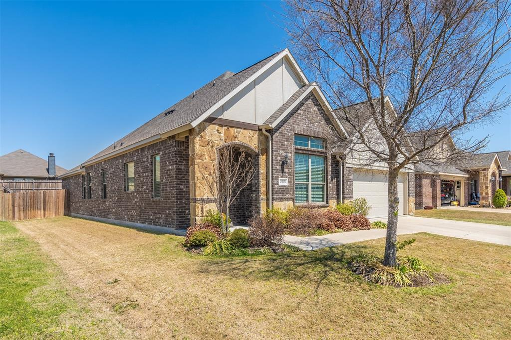 Pending | 2205 Gregory Creek Drive Little Elm, Texas 75068 2