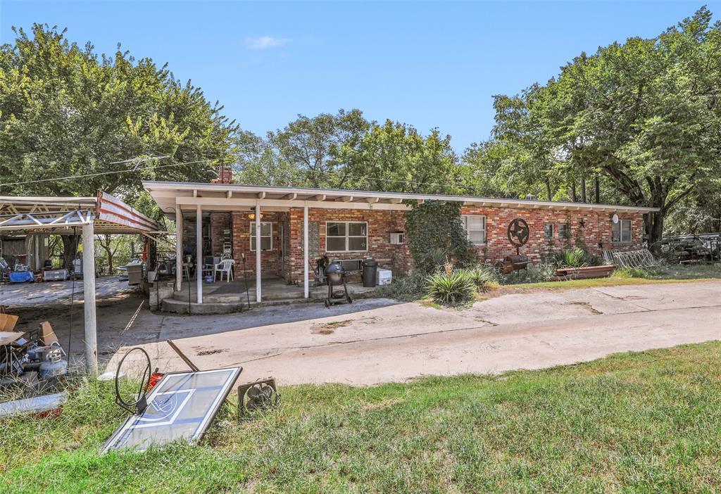 Active | 1425 NW Park Street Azle, Texas 76020 17