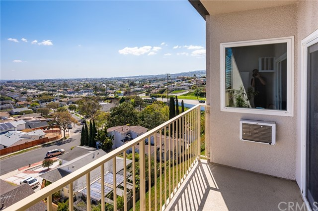 Active Under Contract | 1108 Camino Real #511 Redondo Beach, CA 90277 14
