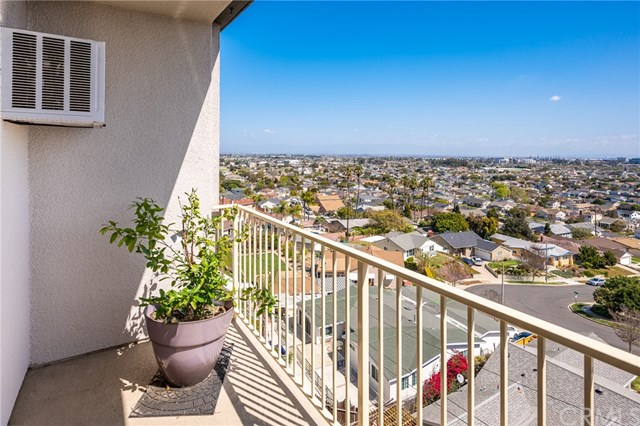 Active Under Contract | 1108 Camino Real #511 Redondo Beach, CA 90277 15