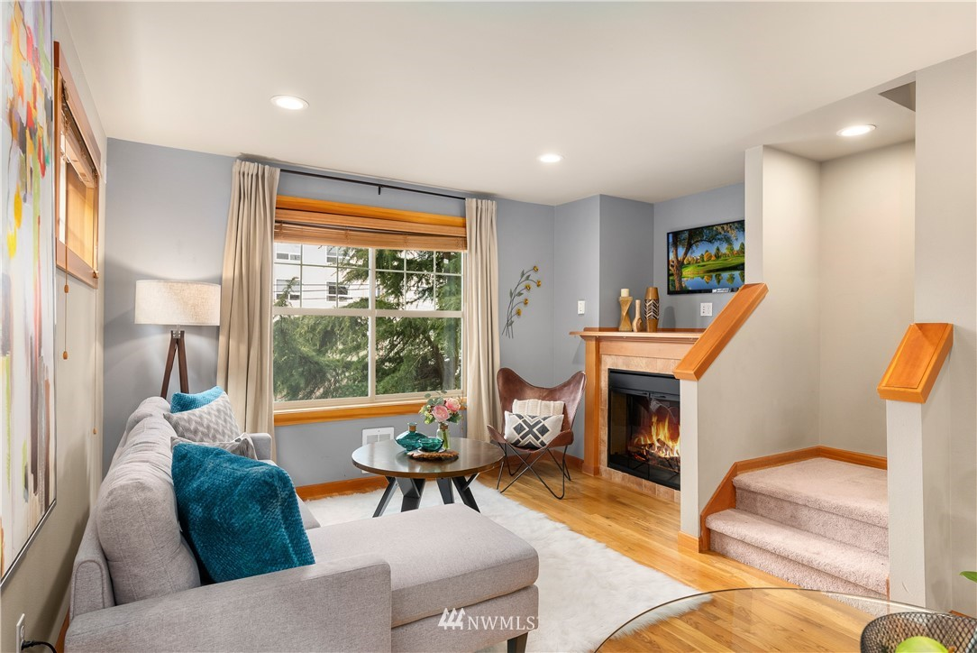 Sold Property | 7538 24th Avenue NW #A Seattle, WA 98117 6