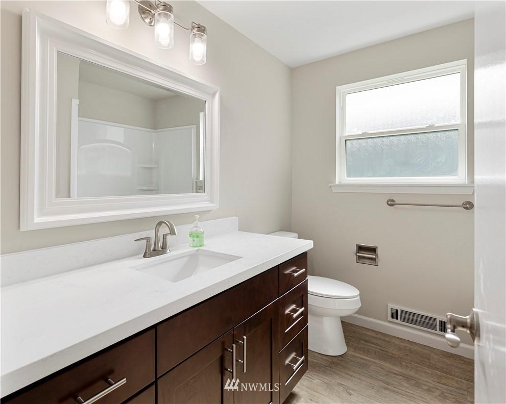 Sold Property   16727 5th Avenue NE Shoreline, WA 98155 9