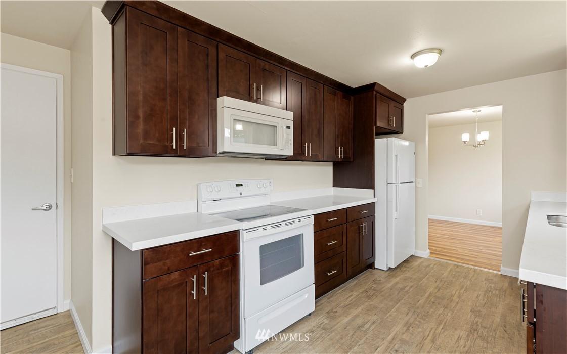 Sold Property   16727 5th Avenue NE Shoreline, WA 98155 4