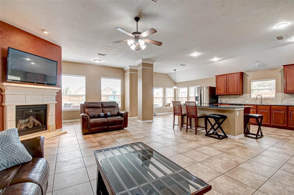 Pending | 2506 Monarch Terrace Drive Katy, Texas 77494 11